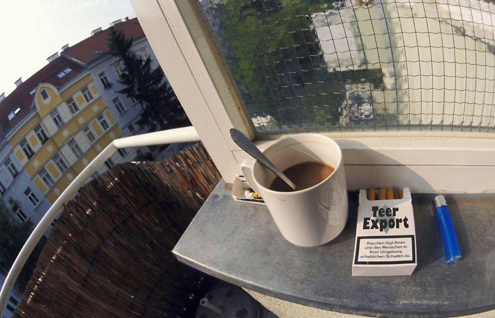 auf eine zigarette mit dem bgh balkon wird raucherzone light n. Black Bedroom Furniture Sets. Home Design Ideas