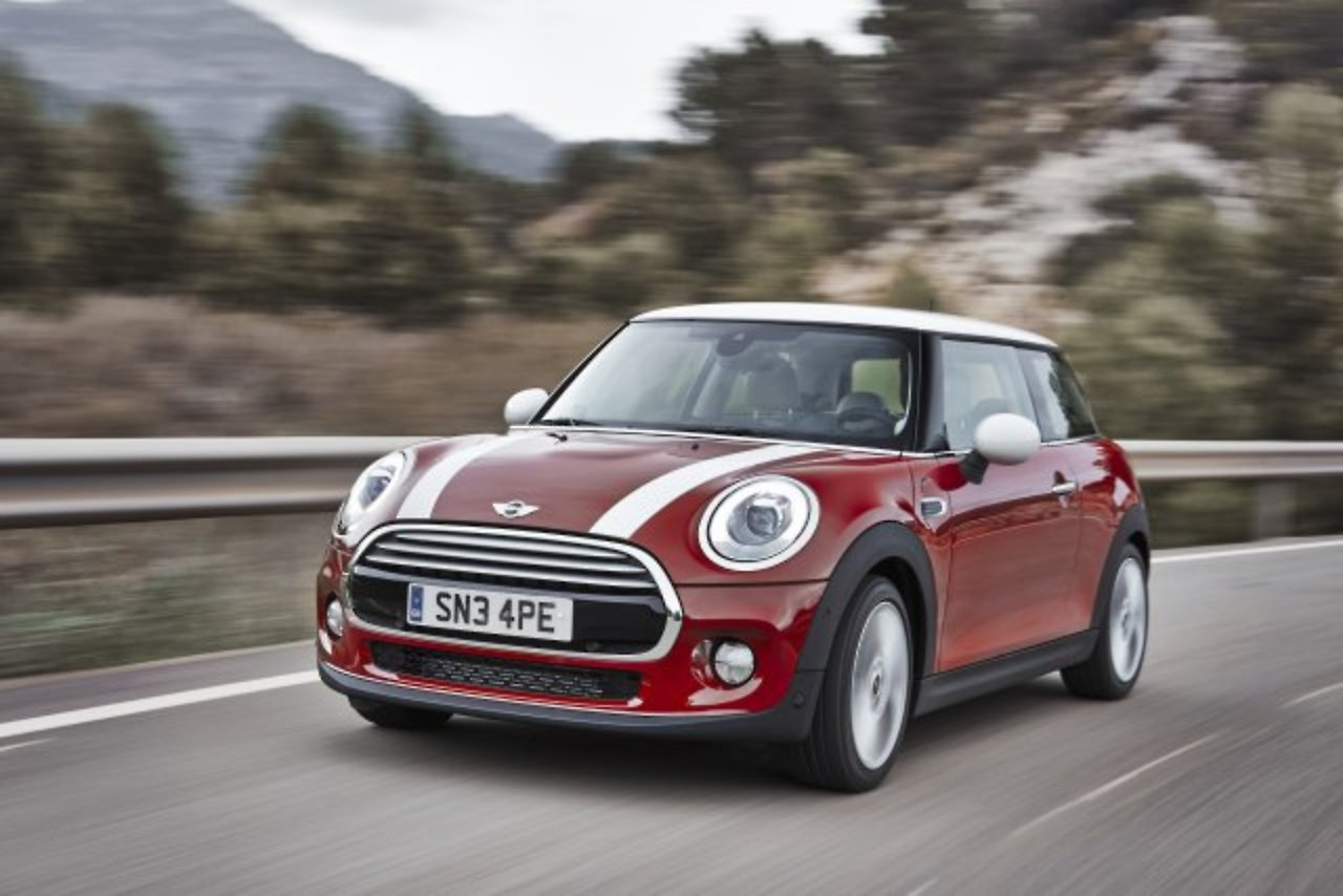 Mini besser als S-Klasse: Kleine Autos für große Fahrer