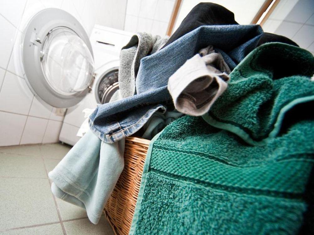 sparknopf und sp lmaschine wie verbraucher wasser sparen. Black Bedroom Furniture Sets. Home Design Ideas