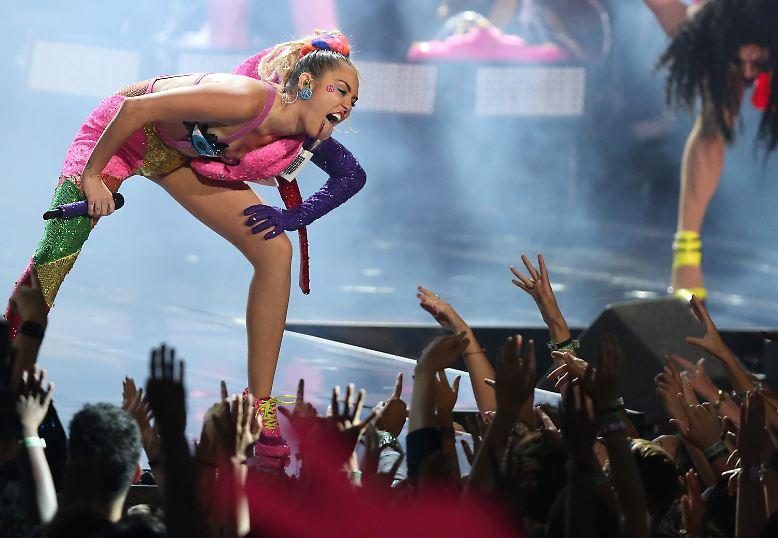 Es sollten eigentlich die MTV Video Music Awards (VMAs) der Miley Cyrus werden. Nicht etwa, ...