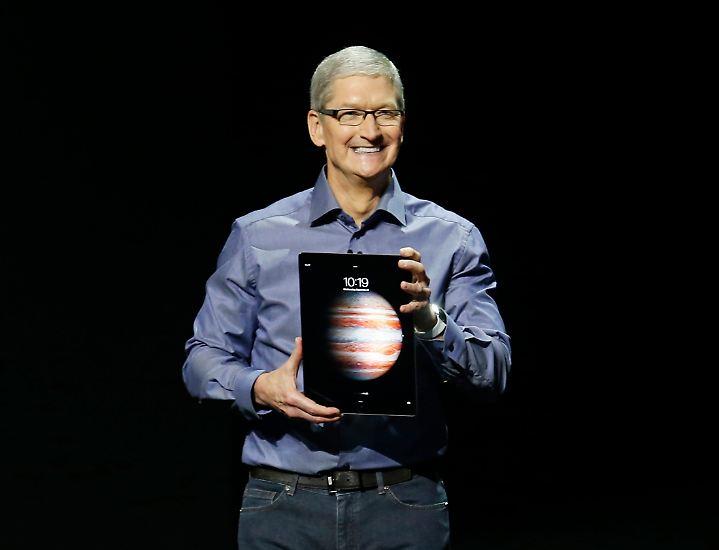 Apple-Chef Tim Cook stellt in San Francisco eine ganze Reihe neuer Produkte vor. Neben der neuen Apple-Watch, dem Apple TV4 und dem iPhone 6s sticht ein Gerät besonders hervor: das iPad Pro.