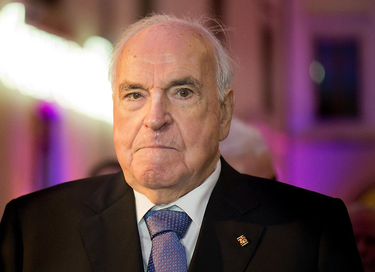 Helmut Kohl war der sechste Bundeskanzler der Bundesrepublik Deutschland. Er war 16 Jahre lang im Amt - solange wie keiner seiner Vorgänger beziehungsweise Nachfolger.