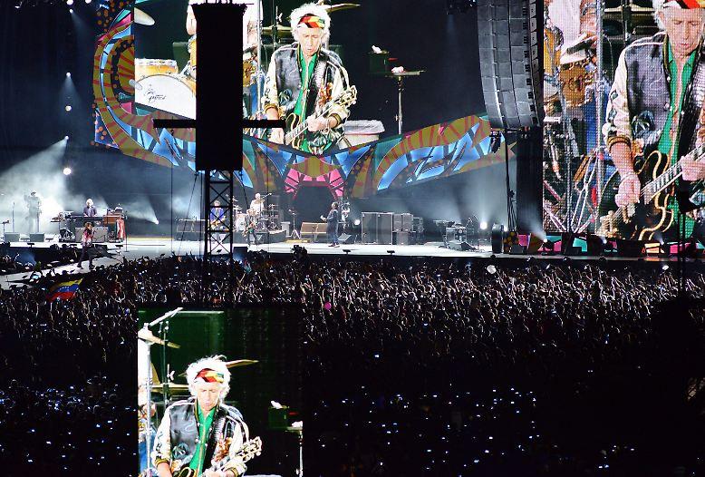Mit einer grandiosen Show haben die Rolling Stones bei ihrem ersten Open-Air-Konzert ...