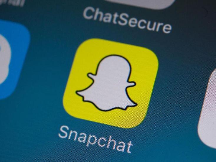 Na, kennen sie den kleinen Geist auf gelbem Grund? Richtig, es handelt sich um das Motiv der App Snapchat. Dort tummeln sich dieser Tage all die Stars, die jung genug für mehr als Instagram und Twitter sind - und ein paar andere auch.