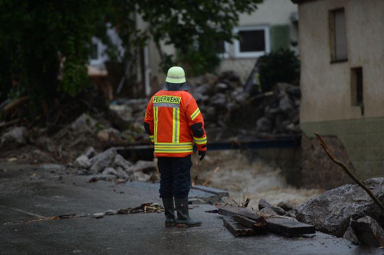 Trotz des beträchtlichen Sachschadens wird in Braunbach niemand verletzt.