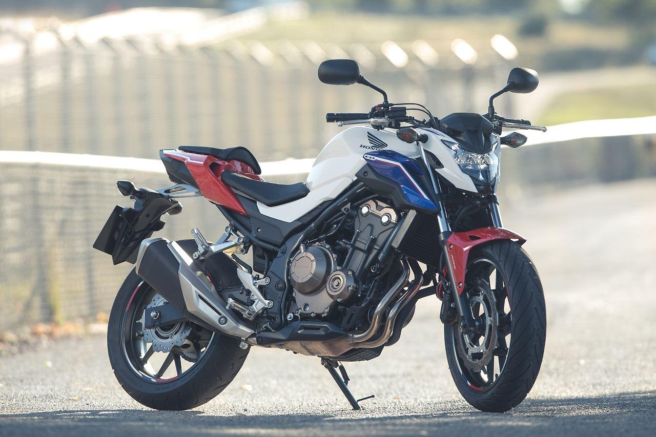 Fur Normalgross Gewachsene Europaer Bietet Die Honda CB500F Genugend Platz