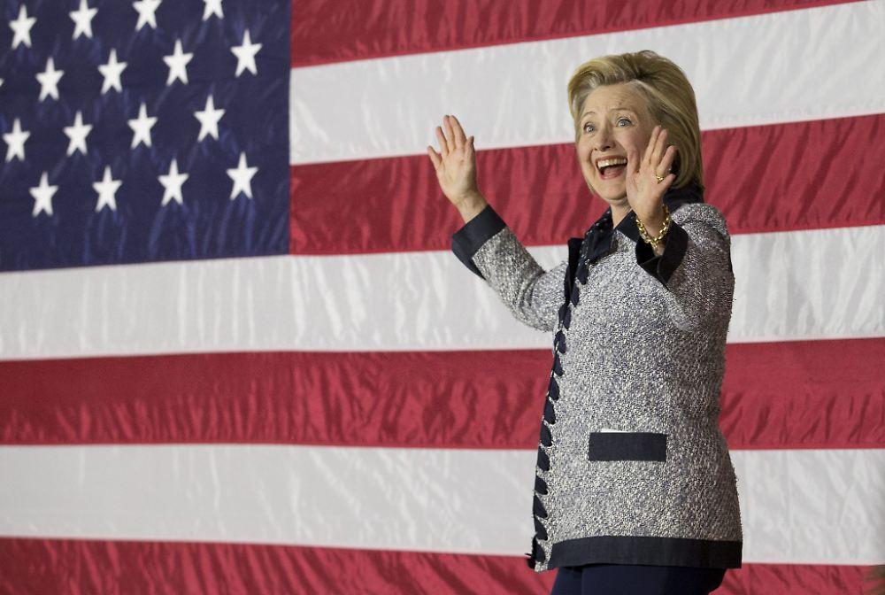 neue umfrage clinton vor trump demokratin gewinnt letzte us vorwahl n. Black Bedroom Furniture Sets. Home Design Ideas