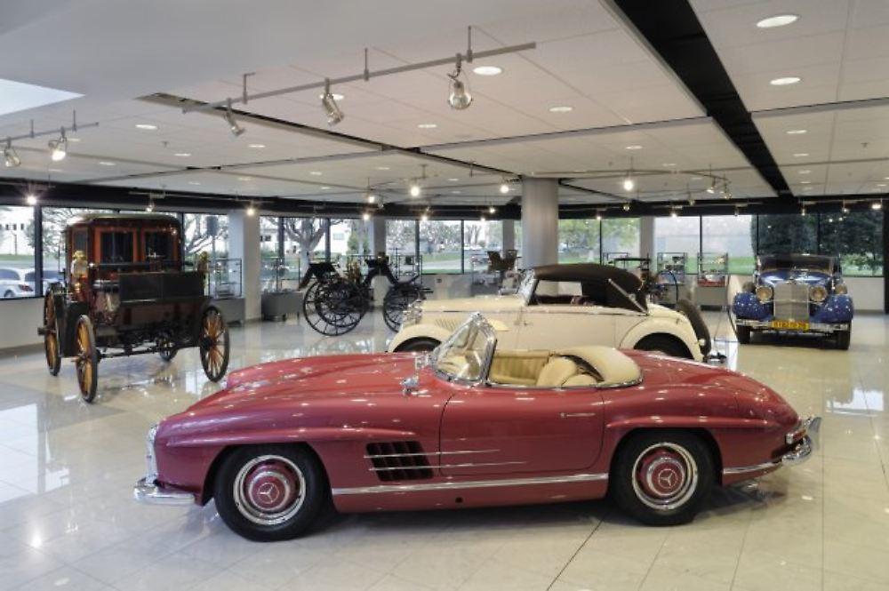 Mercedes benz classic center sternenglanz heller als in for Mercedes benz classics center