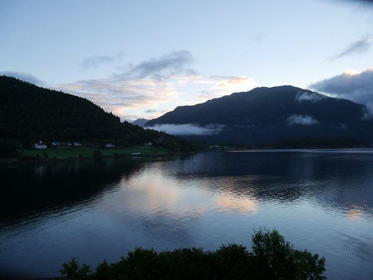 Die norwegischen Fjorde sind weltberühmt, so zum Beispiel der Sognefjord. n-tv.de nimmt Sie mit nach Fjordnorwegen - in den Westen des Landes.