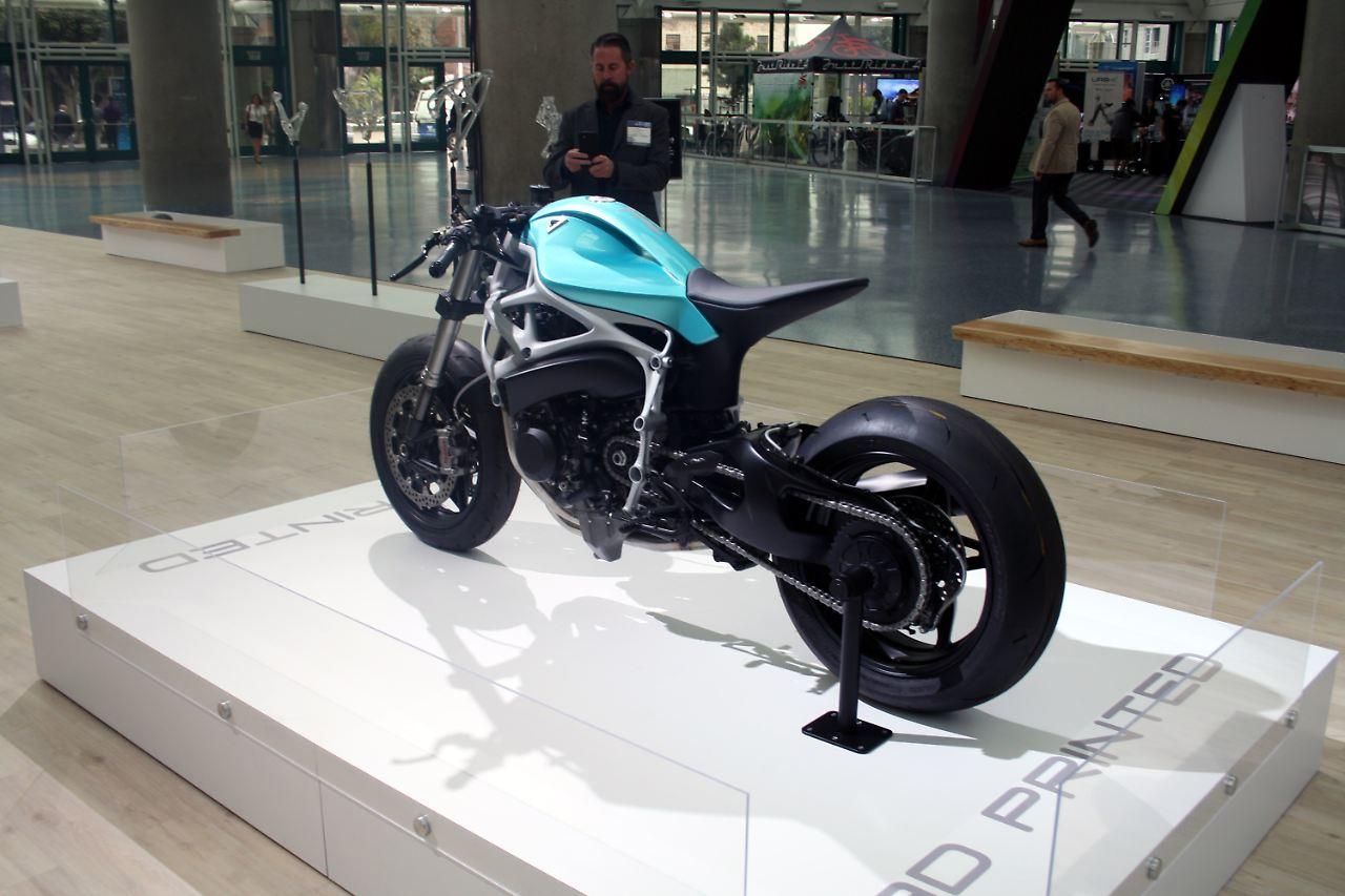 superbike von divergent ein motorrad aus dem 3d drucker. Black Bedroom Furniture Sets. Home Design Ideas