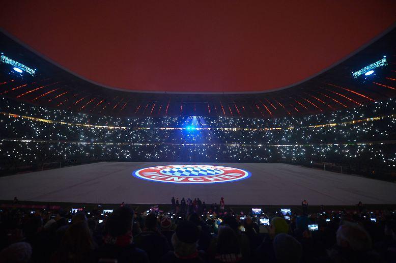 Der FC Bayern strahlt.