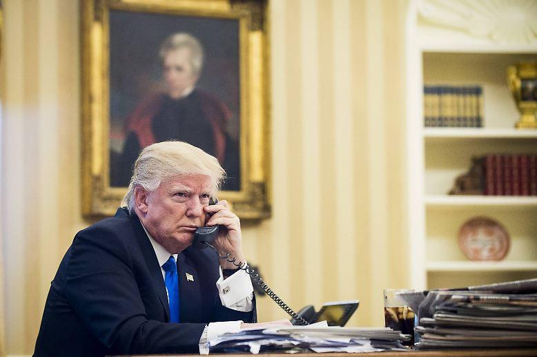 Es liegt einiges auf dem Tisch beim neuen US-Präsidenten: Donald Trump will keine Zeit verlieren. Nachdem er die Gesundheitsreform Obamacare quasi beerdigt und Millionen Muslime fürs Erste zu unerwünschten Gästen erklärt hat, will der Republikaner offenbar auch Hand an bestehende Klima-Abkommen anlegen. Nur vier Tage nach seinem Amtsantritt ...