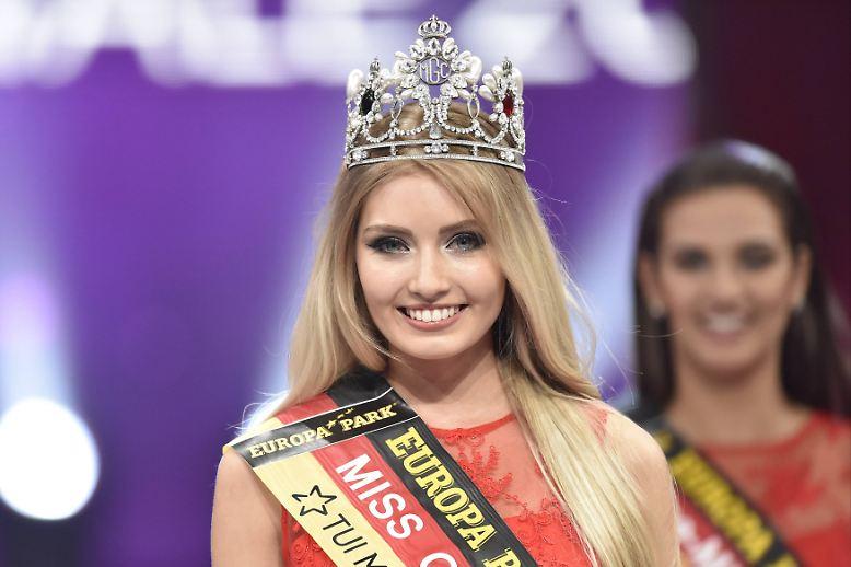 """Die Krone sitzt. Auch wenn sie es selber noch nicht ganz glauben mag, Soraya Kohlmann ist die neue """"Miss Germany""""."""