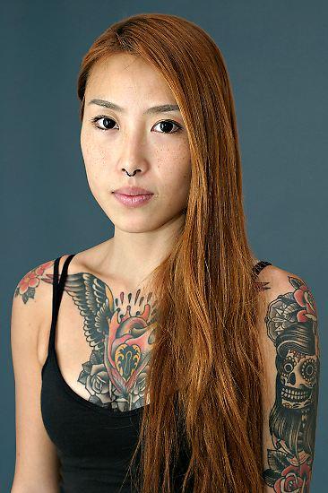 Tattoos liegen im Trend. Einst als Zeichen sozialer Randgruppen verpönt, sind sie längst in der Mitte der Gesellschaft angekommen. Der unvergängliche Körperschmuck ist nichts Besonderes mehr.