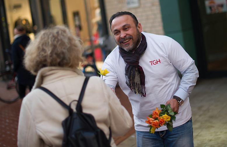 Blumen zum Frauentag sind nett, es geht aber um etwas anderes. In diesem Jahr um eine Arbeitswelt, in der Frauen und Männer gleich wertgeschätzt werden. Das ist längst nicht überall so.