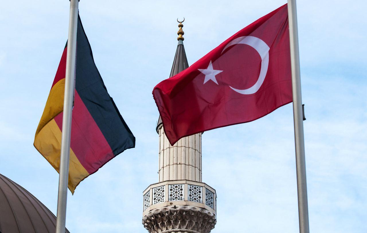islam gesetz f r deutschland spahn fordert moschee register n. Black Bedroom Furniture Sets. Home Design Ideas