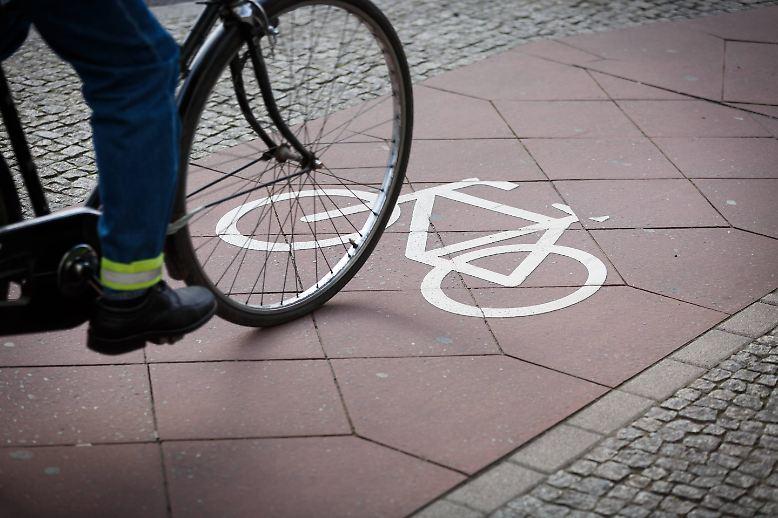 Das Fahrrad bringt Menschen und Lasten von A nach B …