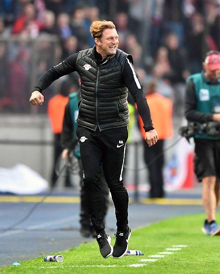 """""""Ich dachte beim Siegtor, das Dach fliegt weg."""" (RB Leipzigs Trainer Ralph Hasenhüttl am 2. Spieltag zur Stimmung beim 1:0-Treffer gegen Borussia Dortmund in der 89. Minute)"""