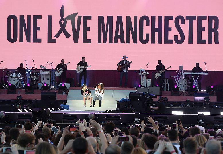 """""""One love Manchester"""" war das Motto des Benefizkonzerts von Musikerin Ariana Grande, bei dem ..."""