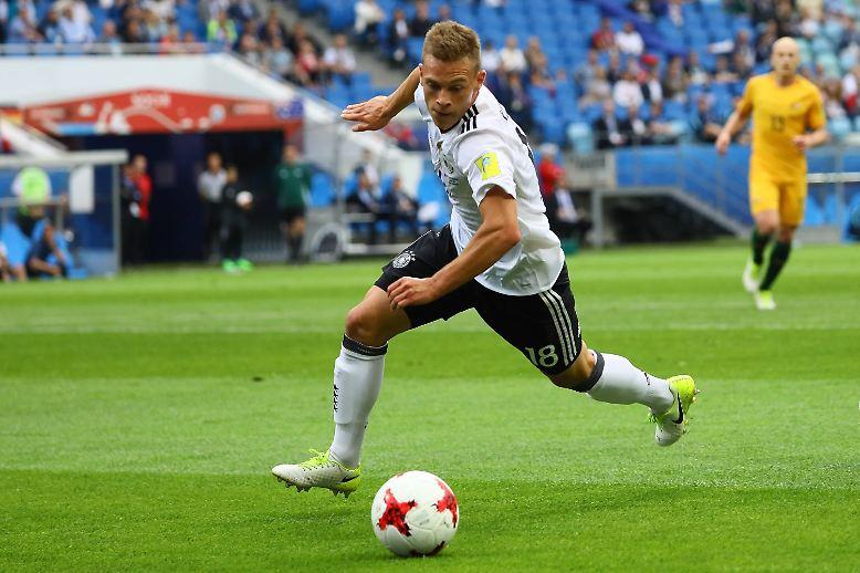 """Nach dem Spiel ist bekanntlich vor dem Spiel: """"Gegen Chile dürfen wir uns nicht so viele Fehler erlauben. Wir müssen voll konzentriert sein und vorne effizienter werden"""", sagt Joshua Kimmich. Recht hat er. (ara/dpa)"""
