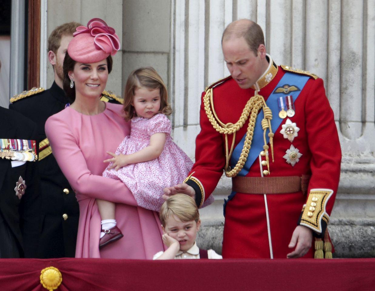 deutschland trip mit den kindern britische royals besuchen berlin marzahn n. Black Bedroom Furniture Sets. Home Design Ideas