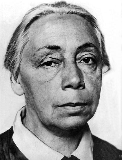 Ihre klagenden und politisch anklagenden Bilder machten sie berühmt: Käthe Kollwitz ist die wohl bekannteste deutsche Künstlerin des 20. Jahrhunderts.