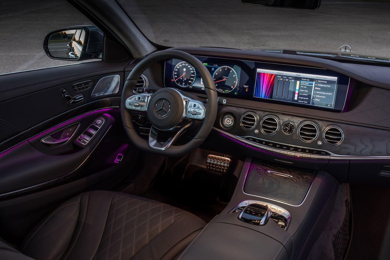 Auto cockpit mercedes  Facelift für den Luxusliner: Mercedes erhöht bei S-Klasse den ...