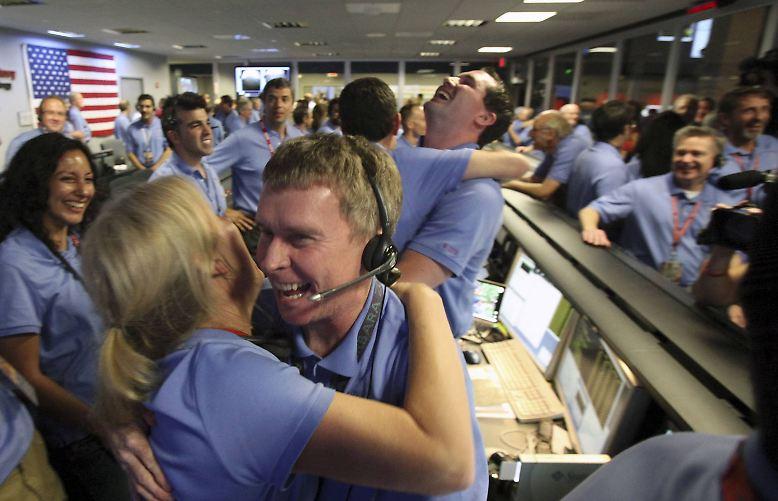 Die Nasa feiert und jubelt, die Freude ist groß, als am 6. August 2012 ...