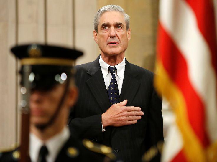 Und das Justizministerium setzte Robert Mueller als Sonderermittler ein, der weiter die Russland-Kontakte Trumps unter die Lupe nimmt.