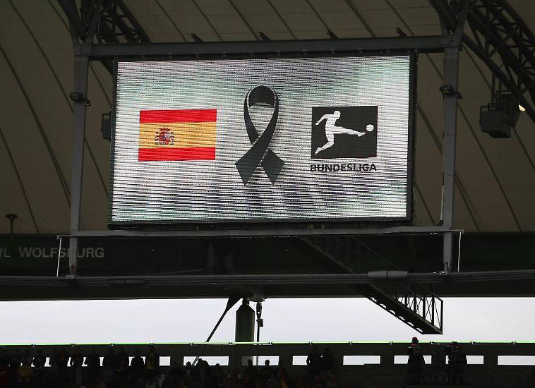 Mit einer Schweigeminute für die Terroropfer von Barcelona, ...