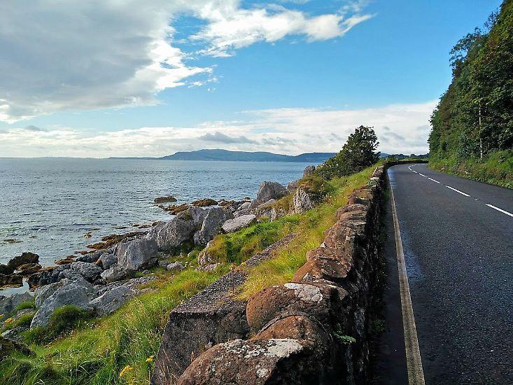 Willkommen in Nordirland! Es ist Teil des Vereinigten Königreichs, liegt aber im Norden der irischen Insel.