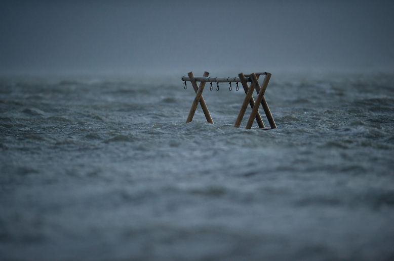 Land unter. Das Foto ist ein paar Jahre alt, aber in der stürmischen Jahreszeit, die gerade wieder beginnt, gehört ...