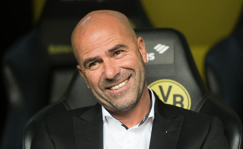"""Erfolgscoach Peter Bosz lobte aber nicht nur sein Sturmduo, sondern explizit die """"sehr gute Mannschaftsleistung""""."""