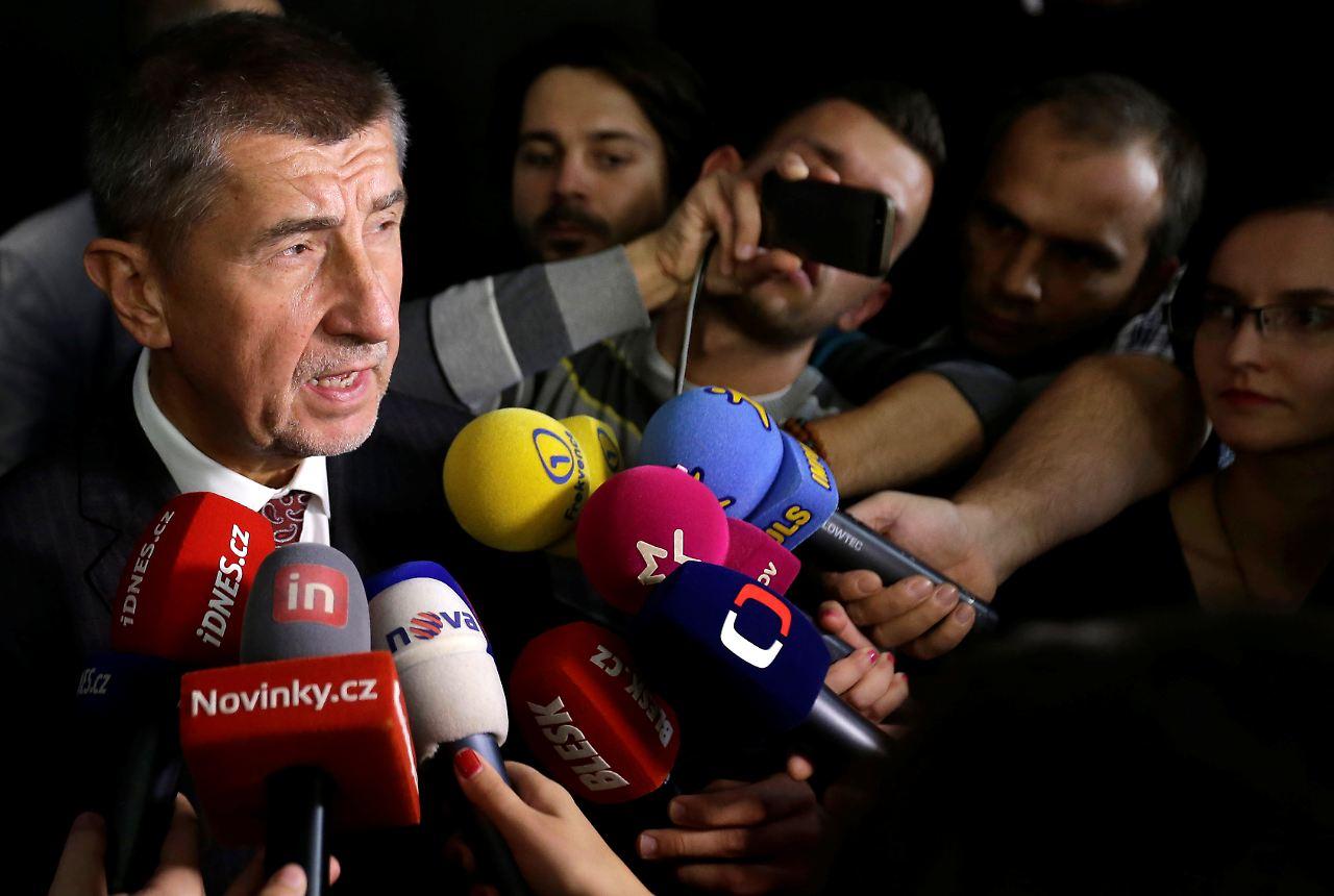 Tschechen wählen neues Parlament - Populist Babis klarer Favorit