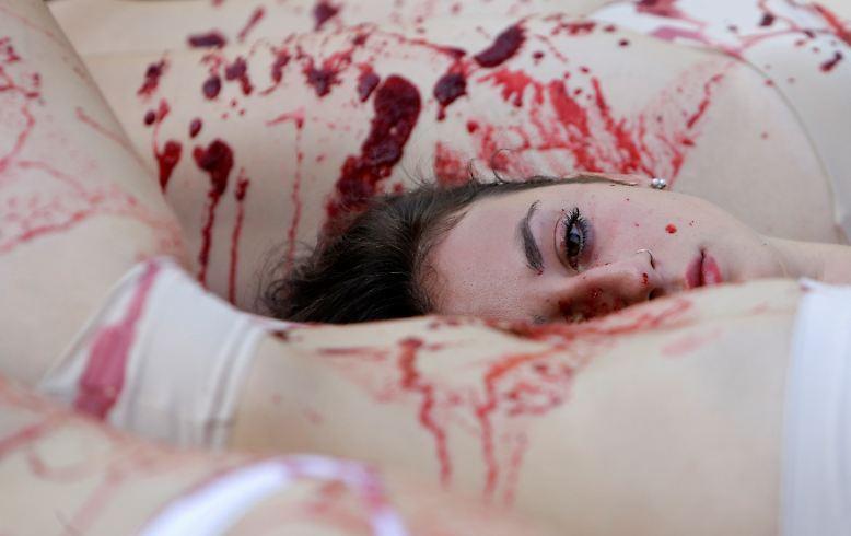 Blut ist eine ganz besondere Körperflüssigkeit, ...