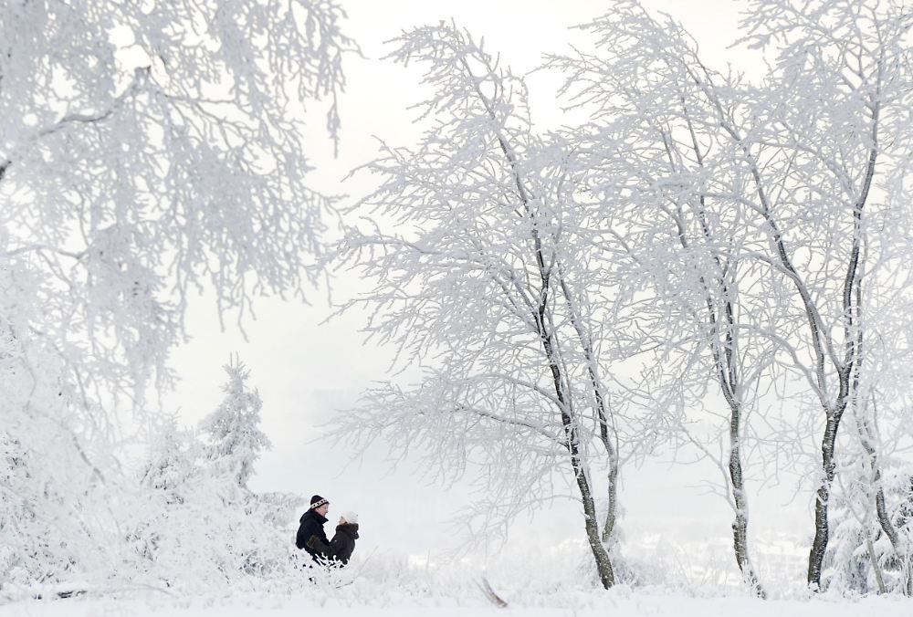 fr her start in die wintersportsaison viele skilifte laufen an n. Black Bedroom Furniture Sets. Home Design Ideas