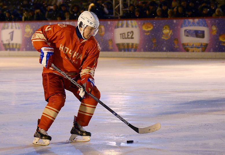 Der Präsident Russlands treibt Sport und lässt sich dabei ...
