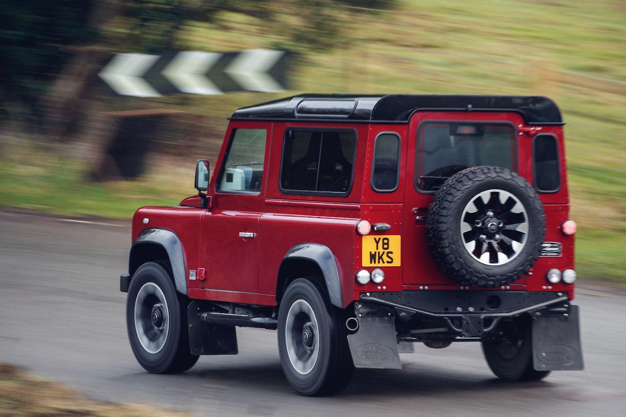 Land Rover bringt Abschieds-Defender mit V8