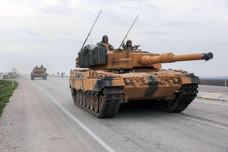 Die Offensive hat begonnen: Seit dem Wochenende geht die Türkei mit Waffengewalt gegen kurdische Kämpfer im Nordwesten Syriens vor.