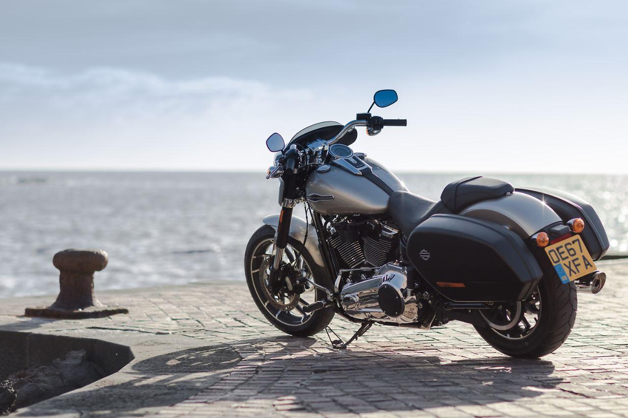 Taufrisch und brandheiß: Harley Sport Glide - unverhofft agil - n-tv.de