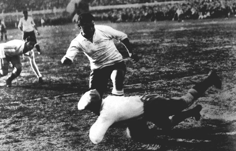 Willkommen zum großen historischen WM-Rückblick. Starten wir direkt mit dem ersten Turnier. Wir schreiben das Jahr 1930.