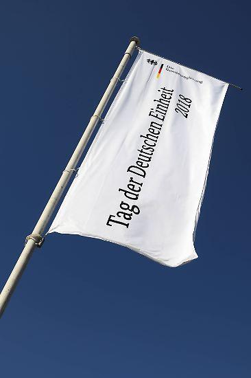 Der 3. Oktober ist der deutsche Nationalfeiertag und erinnert an die Wiedervereinigung der Bundesrepublik und der DDR.