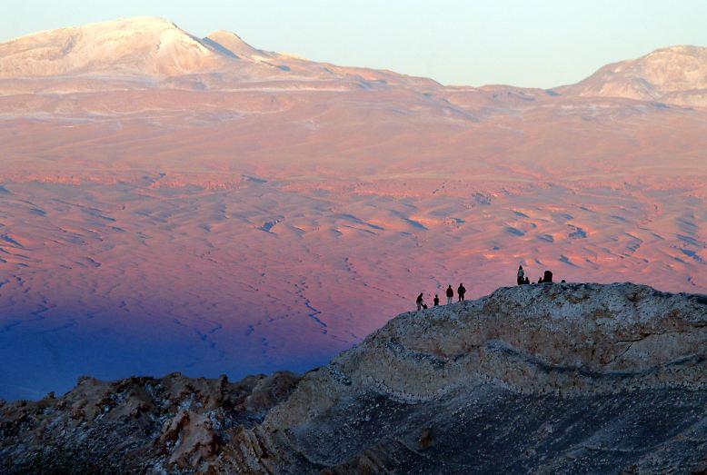 In der Atacama-Wüste in Chile gibt es das größte Lithium-Vorkommen der Welt. Das Alkalimetall ist eine Schlüsselkomponente für die Herstellung von Lithium-Ionen-Batterien.