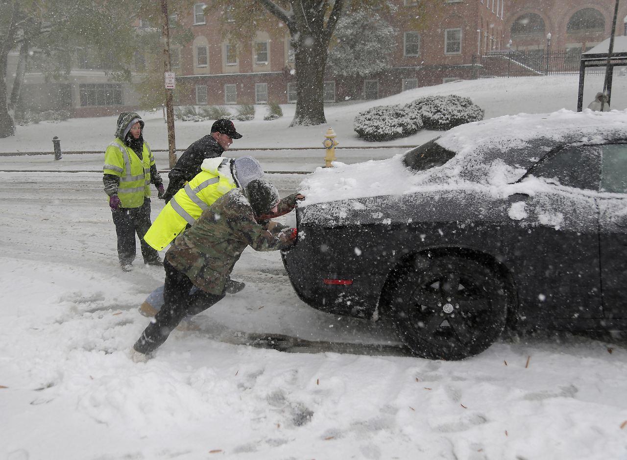 Schneestürme in den USA sorgten für Flug- und Stromausfälle
