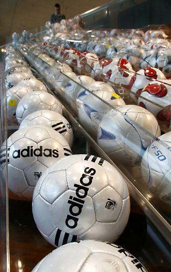 Erreichen will Adidas dies aus eigener Kraft und damit ohne Zukäufe.