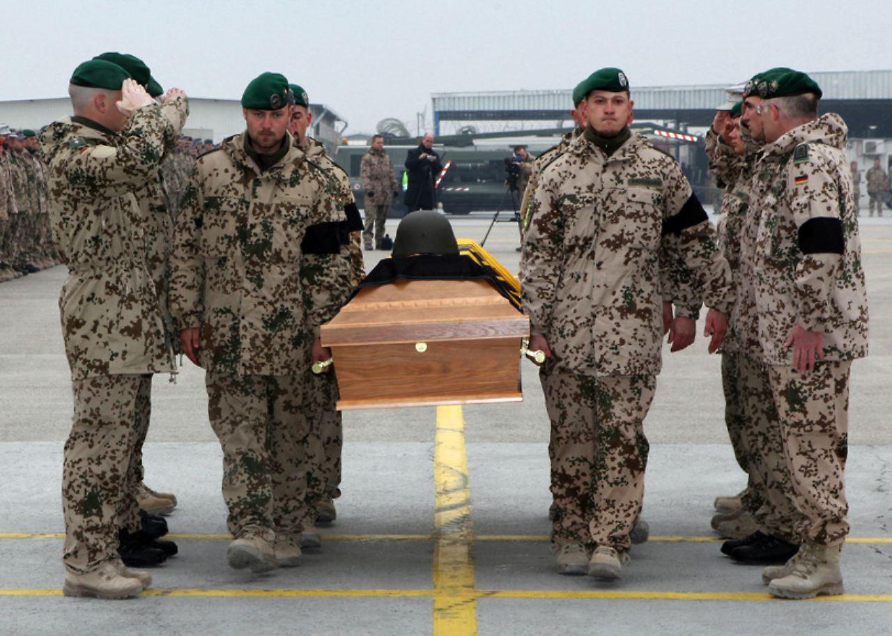 Brief Nach Afghanistan : Nach anschlag in baghlan abschied von toten soldaten n