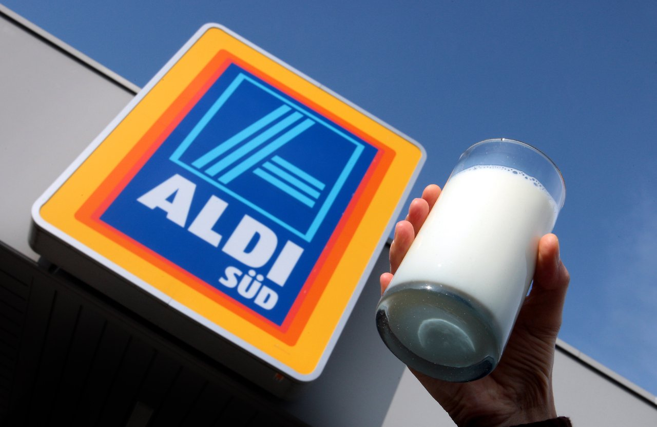 Das Leben Wird Immer Teurer Aldi Hebt Den Milchpreis An Teleboersede