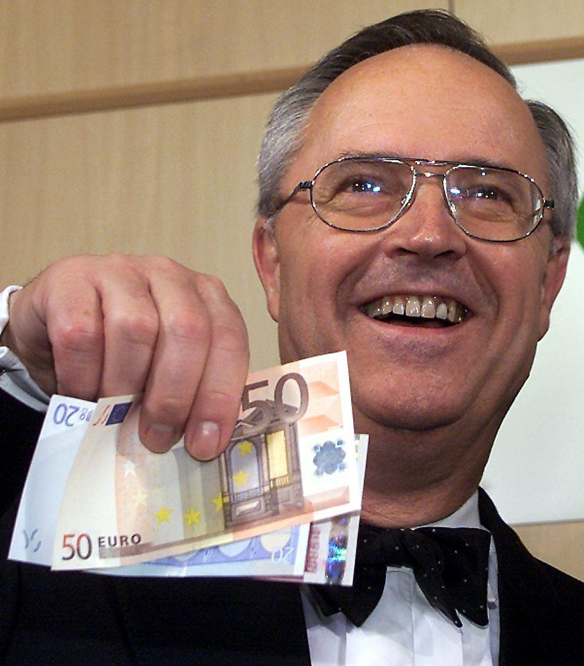 <b>Hans Eichel</b> war von 1999 bis 2005 Finanzminister der rot-grünen Koalition <b>...</b> - 11925093