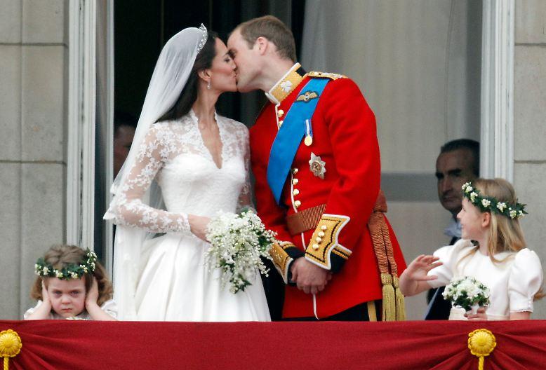 London kommt aus dem Feiern gar nicht mehr heraus: erst die royale Hochzeit von William und Kate, ...