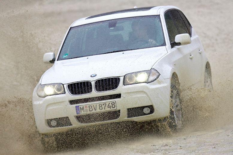 Die zufriedensten Kunden in Deutschland sind laut der Kundenzufriedenheitsstudie des ADAC mit einem BMW unterwegs. Und so wundert es nicht, dass auch im beliebten Segment der SUV mit dem X3 ein Bayer die Nase vorn hat.  Unter allen Modellen, die in die Statistik eingeflossen sind, bekommt das SUV aus München die meisten Punkte (80,6 von 100).